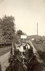 vor-frauenfeld-frohe-heimfahrt-1-mai-1953.jpg